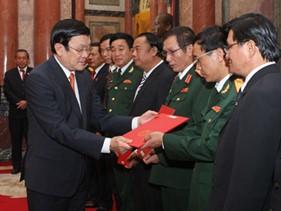 Chủ tịch nước Trương Tấn Sang trao quyết định bổ nhiệm chức danh tư pháp