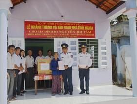 BTL Vùng Cảnh sát biển 2 tổ chức lễ khánh thành và bàn giao nhà tình nghĩa cho gia đình chính sách