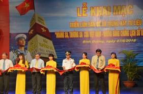 """Khai mạc triển lãm """"Hoàng Sa, Trường Sa của Việt Nam - Những bằng chứng lịch sử và pháp lý"""""""