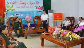 Thủ trưởng Bộ Quốc phòng thăm và chúc Tết BTL Vùng Cảnh sát biển 3