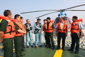 Nghiệm thu cấp Bộ Quốc phòng sàn đỗ máy bay trực thăng trên tàu CSB 8004