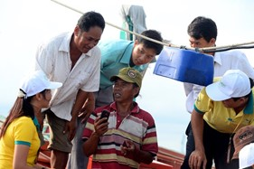 Giúp ngư dân bám biển bằng... mobile