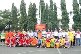 Cụm Trinh sát số 2 tổ chức các hoạt động tri ân - chào mừng kỷ niệm 70 năm thành lập QĐND Việt Nam, 25 năm ngày Hội quốc phòng toàn dân.