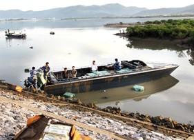 Lực lượng Cảnh sát biển bắt giữ vụ vận chuyển thuốc lá lậu trên biển