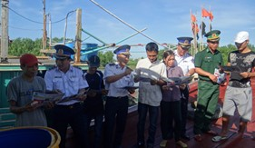 BTL Vùng Cảnh sát biển 1 đẩy mạnh các hoạt động tuyên truyền cho nhân dân các điểm đảo, địa bàn ven biển