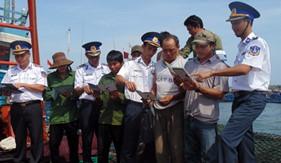 Trạm Cảnh sát biển Bạch Long Vĩ tăng cường truyên truyền, phổ biến pháp luật cho ngư dân