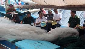 Cụm ĐNPCTP ma túy số 3 tuyên truyền pháp luật phòng, chống ma túy cho bà con ngư dân tại Cà Ná, tỉnh Ninh Thuận