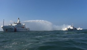 Tàu Cảnh sát biển Việt Nam và tàu Lực lượng Bảo vệ bờ biển Ấn Độ luyện tập cứu hộ, cứu nạn trên biển