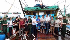 BTL Vùng Cảnh sát biển 1 chủ trì phối hợp tuyên truyền, phổ biến giáo dục pháp luật cho bà con ngư dân khu vực Đồ Sơn - Hải Phòng