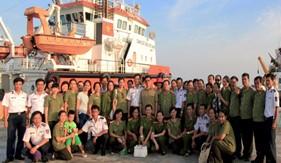 Đoàn cán bộ Hội Phụ nữ Công an tỉnh Bình Dương đến thăm BTL Vùng CSB 4
