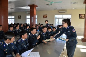 BTL Vùng Cảnh sát biển 1 tuyên truyền, phổ biến pháp luật về bình đẳng giới và phòng, chống bạo lực đối với phụ nữ và trẻ em gái năm 2016