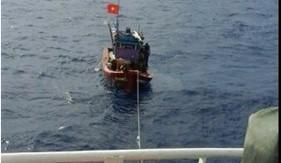 BTL Vùng Cảnh sát biển 3 cứu nạn tàu cá ngư dân Bình Thuận trôi dạt trên biển
