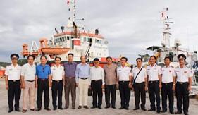 Các đồng chí nguyên là Thủ trưởng Lực lượng Cảnh sát biển thăm BTL Vùng CSB4