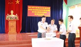 Cán bộ, chiến sĩ Cụm Trinh sát số 1 tổ chức quyên góp ủng hộ đồng đội ghép thận