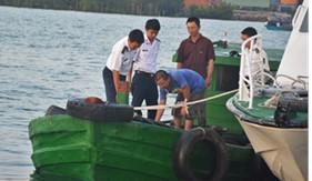 BTL Vùng Cảnh sát biển 3 bắt giữ tàu chở dầu DO không rõ nguồn gốc