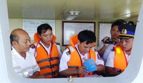 BTL Vùng Cảnh sát biển 2: Bắt giữ tàu vận chuyển 135.000 lít xăng trái phép