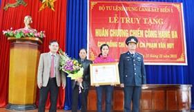 BTL Vùng Cảnh sát biển 1 phối hợp tổ chức Lễ truy tặng Huân chương Chiến công hạng Ba cho Đại úy QNCN Phạm Văn Huy