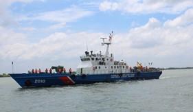 Bộ Tư lệnh Vùng Cảnh sát biển 3 cứu ngư dân bị nạn trên biển