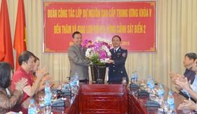 Đoàn công tác Lớp Dự nguồn cao cấp Trung ương Khóa V thăm và giao lưu với BTL Vùng Cảnh sát biển 2