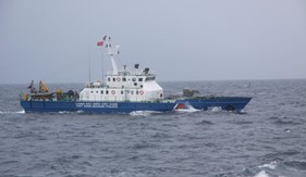 Tàu CSB 2015, BTL Vùng Cảnh sát biển 2 cứu tàu Hoa Mai 25 bị nạn trên biển