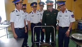 Thượng tướng Nguyễn Thành Cung thăm và làm việc với Bộ Tư lệnh Vùng CSB 1