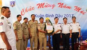 Đoàn liên ngành Căn cứ biển và Cảnh sát biển Hoàng gia Campuchia thăm, chúc Tết BTL Vùng Cảnh sát biển 4