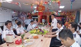 Đón Tết trên tàu của chiến sĩ BTL Vùng Cảnh sát biển 3