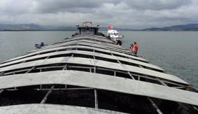 BTL Vùng Cảnh sát biển 1 tạm giữ tàu than vi phạm