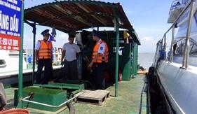 Bộ Tư lệnh Cảnh sát biển bắt giữ tàu vận chuyển dầu trái phép trên biển