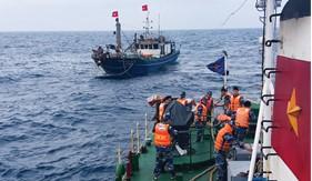 Đẩy mạnh công tác đấu tranh phòng, chống vi phạm pháp luật về môi trường trên các vùng biển Việt Nam