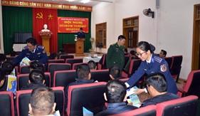 BTL Vùng Cảnh sát biển 1 tuyên truyền pháp luật phòng, chống ma túy cho bà con ngư dân