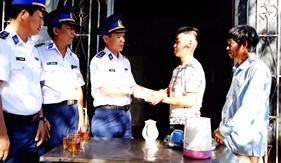 BTL Vùng Cảnh sát biển 3 gặp gỡ tân binh trước khi lên đường nhập ngũ