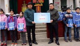 MIC và Báo Tuổi trẻ Thủ đô thăm, tặng quà thiếu nhi và các gia đình có hoàn cảnh khó khăn tại huyện Mỹ Đức