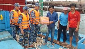 BTL Vùng Cảnh sát biển 3 cứu nạn thành công 9 thuyền viên gặp nạn trên biển