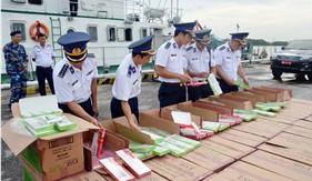 BTL Vùng Cảnh sát biển 1 bắt giữ gần 68.000 bao thuốc lá nhập lậu