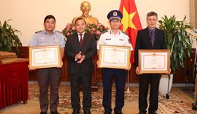 Bộ Tư lệnh Cảnh sát biển được Thủ tướng Chính phủ tặng Bằng khen trong công tác bảo hộ công dân