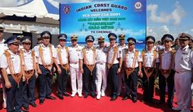Tàu CSB 8001 của Lực lượng Cảnh sát biển Việt Nam cập cảng thăm chính thức Ấn Độ