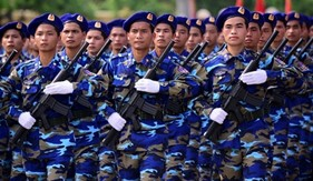 Cảnh sát biển là lực lượng vũ trang, được thực hiện quyền truy đuổi tàu thuyền trên biển