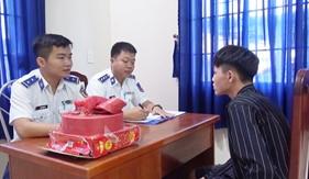 BTL Vùng Cảnh sát biển 3 tạm giữ hai đối tượng vận chuyển pháo nổ trái phép
