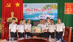 Tư lệnh Cảnh sát biển chúc Tết Hải đội 402