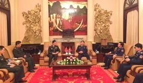 Tư lệnh Cảnh sát biển Việt Nam tiếp và làm việc với Tùy viên Quốc phòng Trung Quốc