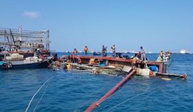 Tàu CSB 4031 kịp thời ứng cứu 8 ngư dân gặp nạn trên biển