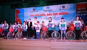 """Bộ Tư lệnh Cảnh sát biển tổ chức Cuộc thi """"Em yêu biển, đảo quê hương"""" tại huyện Sóc Sơn, Hà Nội"""