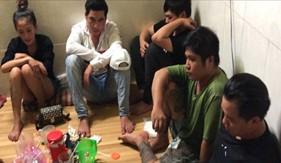 Bộ Tư lệnh Vùng Cảnh sát biển 4 phối hợp bắt quả tang 9 đối tượng tàng trữ, tổ chức sử dụng trái phép chất ma túy