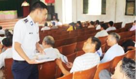 Đoàn Trinh sát số 1 tuyên truyền về công tác dân tộc, tôn giáo cho giáo dân trên địa bàn tỉnh Nam Định