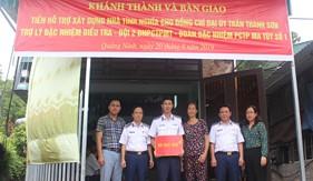 """Đoàn Đặc nhiệm PCTP ma túy số 1 trao tiền hỗ trợ xây dựng """"Nhà tình nghĩa"""" tại tỉnh Quảng Ninh"""