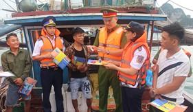 Đoàn Đặc nhiệm PCTP ma túy số 1 tuyên truyền phòng, chống ma túy cho nhân dân và ngư dân Quảng Ninh