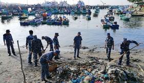 """Bộ Tư lệnh Vùng Cảnh sát biển 4 tổ chức thực hiện """"Ngày Vì môi trường Phú Quốc"""""""