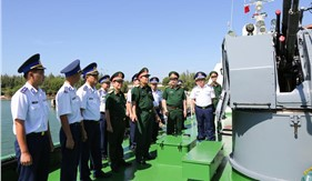 Đoàn công tác Bộ Quốc phòng thăm, kiểm tra tại Bộ Tư lệnh Vùng Cảnh sát biển 2