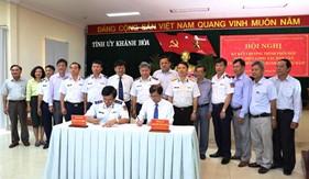 """Bộ Tư lệnh Cảnh sát biển ký kết phối hợp thực hiện chương trình """"Cảnh sát biển đồng hành với ngư dân"""" tại Khánh Hòa"""